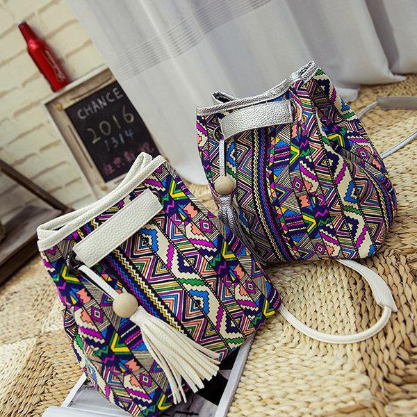 Женщины Ковш Сумки Национальный стиль плеча сумки кисточкой украшения Crossbody сумки