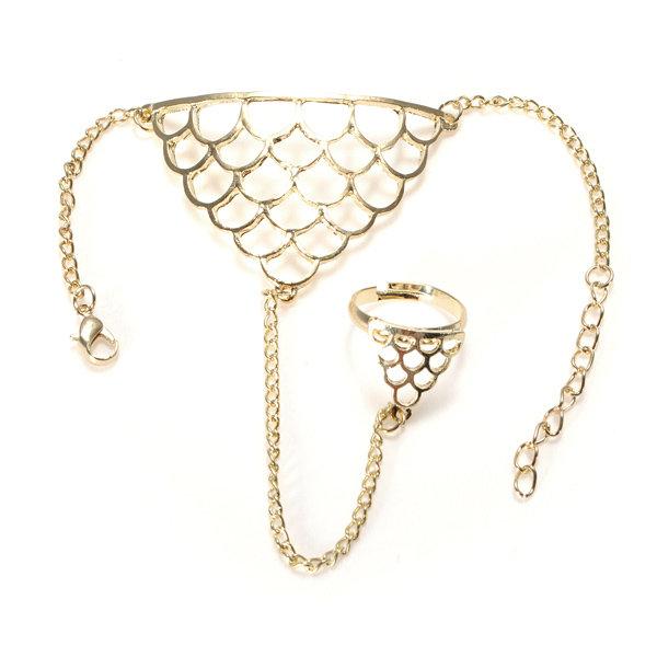 Hollow Triangle Net Finger Ring Bracelet