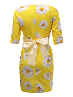 O-Neck Flower Printed Pencil Dress With Belt