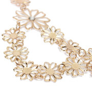Hollow Out Crystal Flower Pendant Collar Necklace
