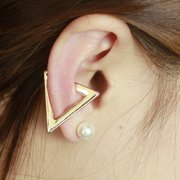 1Pc Exaggerated Triangle Metal Ear Stud