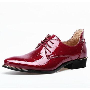Big Size Men style britannique en microfibre cuir Pointed Toe Rivet Formal Shoes