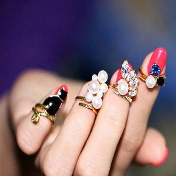 4Pcs Crystal Cat Pearl Zircon Nail Rings